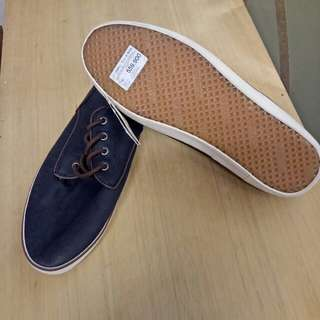 Sepatu Pull N Bear