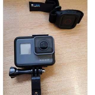 Gopro hero 5 black with remote and extras