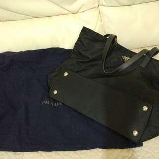Prada大側袋