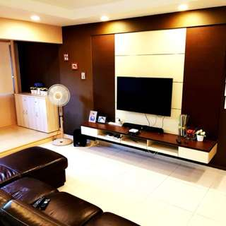 Beautiful 5 Room Flat for Rent