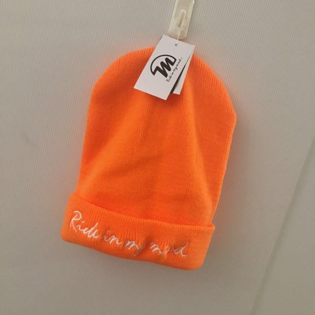 全新字母刺繡螢光毛線帽
