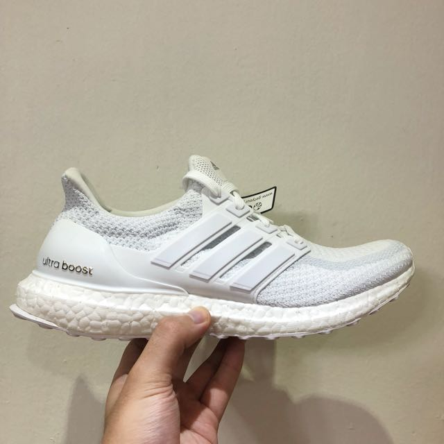 6f6b7dca4 Adidas ultra boost 2.0 triple white
