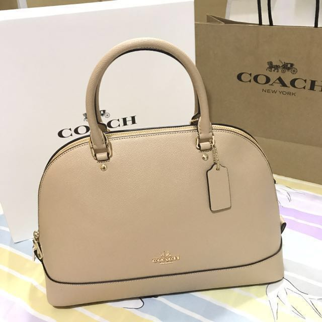 Authentic Brandnew Coach Sierra Medium