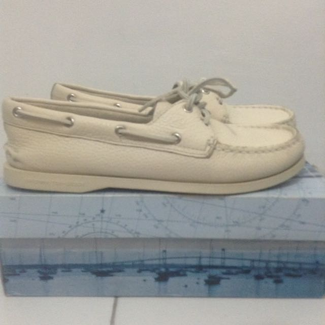 Authentic Sperry Beige Topsider For Women Brandnew