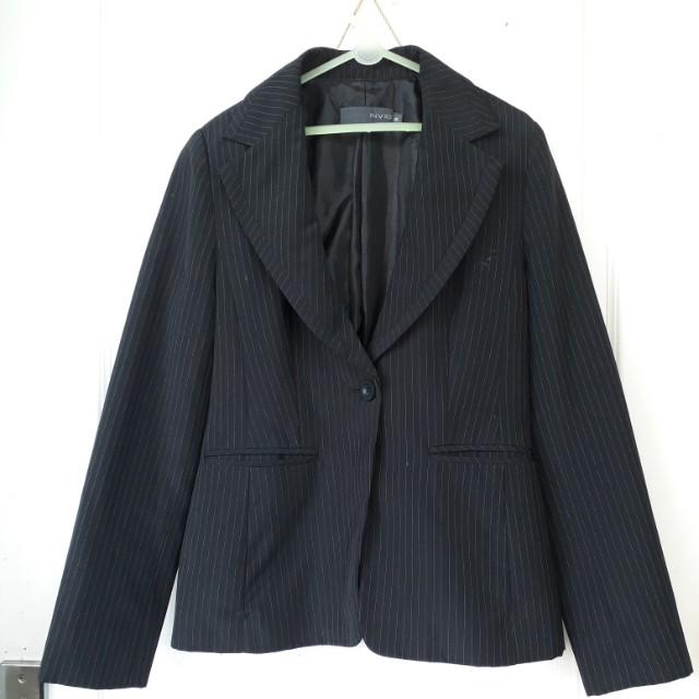 Blazer merk invio size 8 . Pakaian kerja