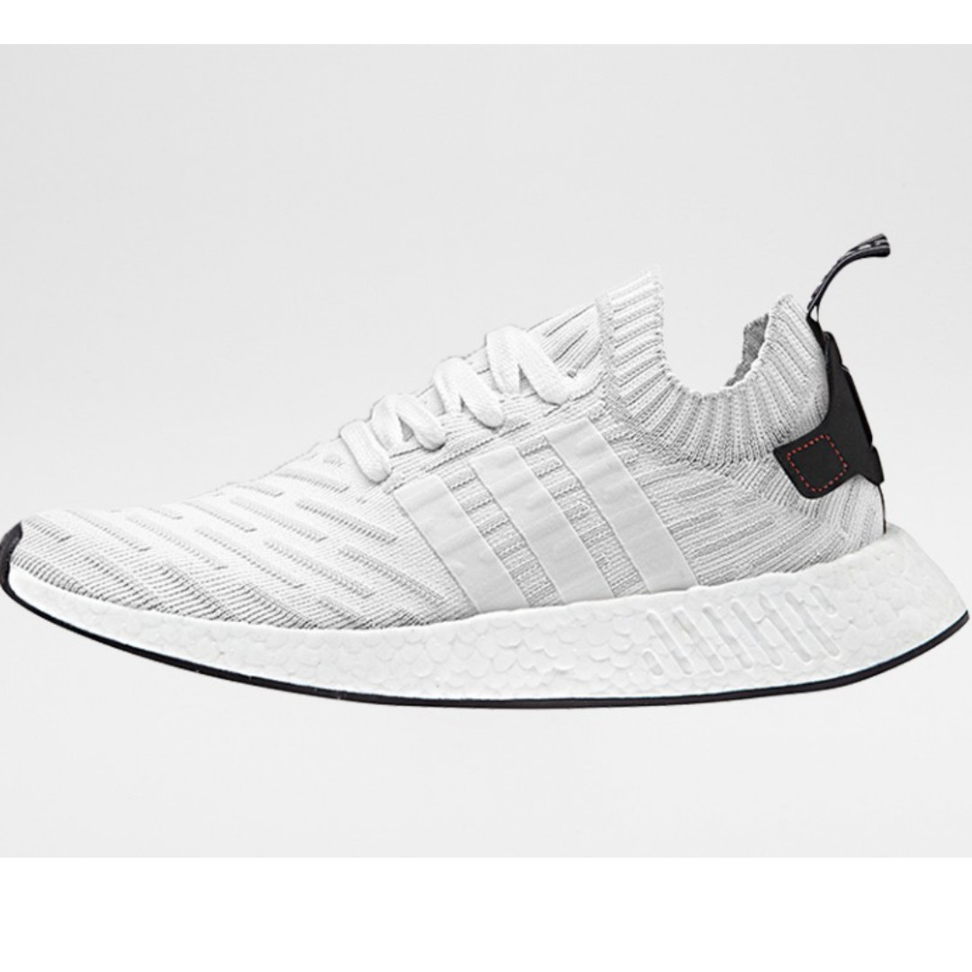 half off 61b8b d6ddf BNIB Adidas NMD R2 BY3015 (white / black) UK 10.5, Men's ...