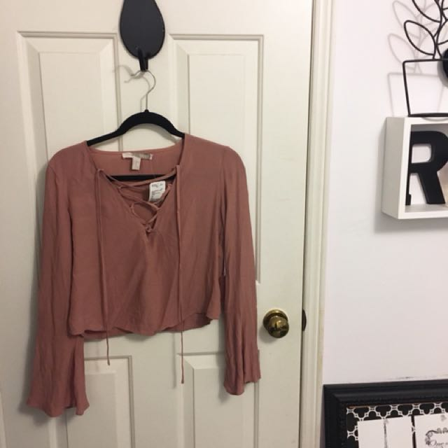 BNWT Forever 21 Laceup crop
