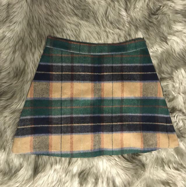 Cute Plaid Skirt!!