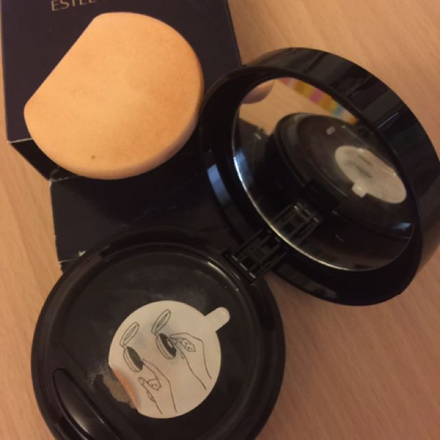 Estee Lauder double wear liquid compact foundation