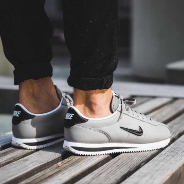 FAST!!) Nike Cortez Basic Jewel Dust, Men's Fashion