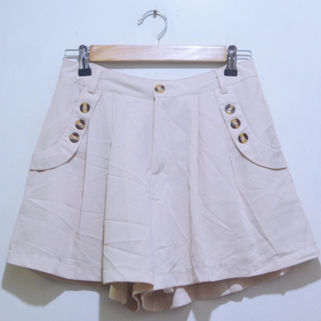 Flowy Shorts w/ Pockets