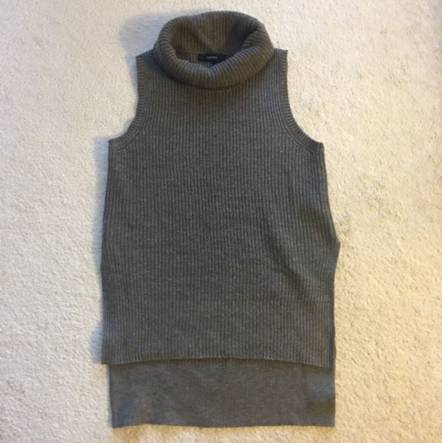 Forever 21 sleeveless knit turtleneck