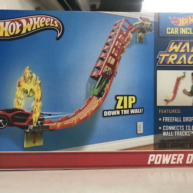 Hotwheels Wall Tracks