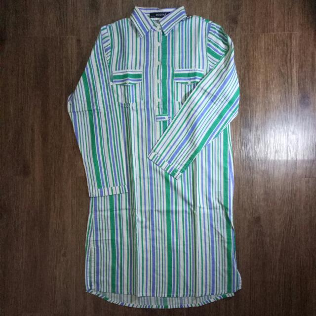Kemeja Minimal (Minimal Shirt)