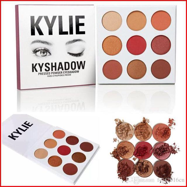 Kylie Jenner Burgundy Eyeshadow