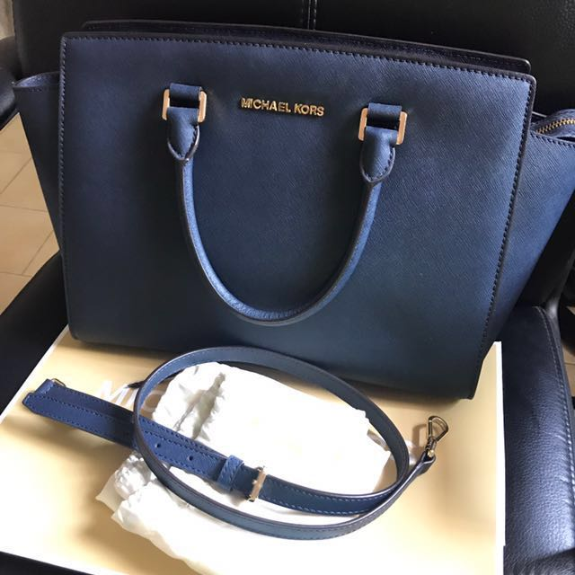 c5575f71ddb8 Michael Kors Selma Large Saffiano Leather Satchel, Women's Fashion, Bags &  Wallets on Carousell