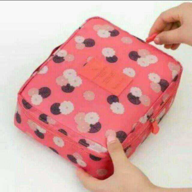 Multi travel pouch/ make up organizer