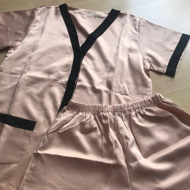 Piyama Satin Set ( celana pendek )