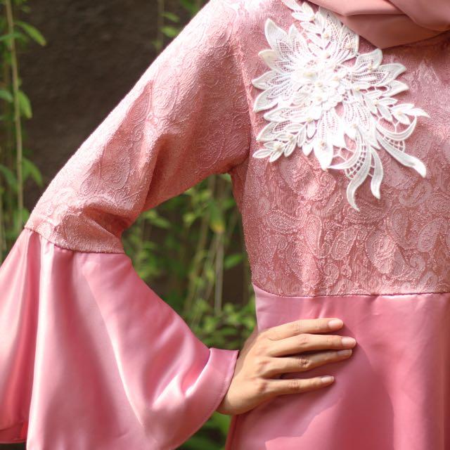 Queenera Dress Pink