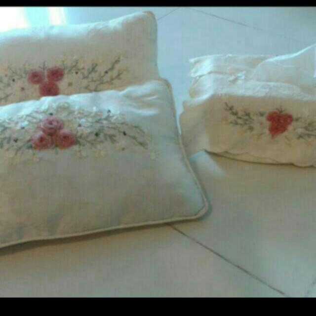 REDUCED!! LOVELY LACE cushions (2) & Tissue Box Cover