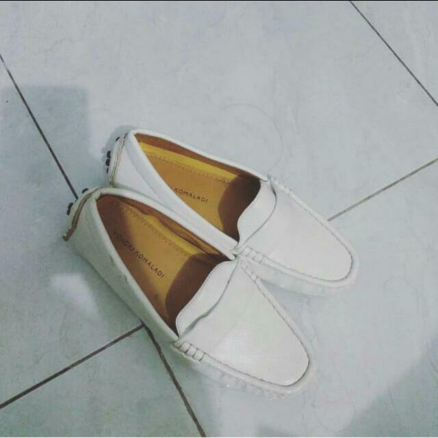 Sepatu Model Loafers Merk Yongki