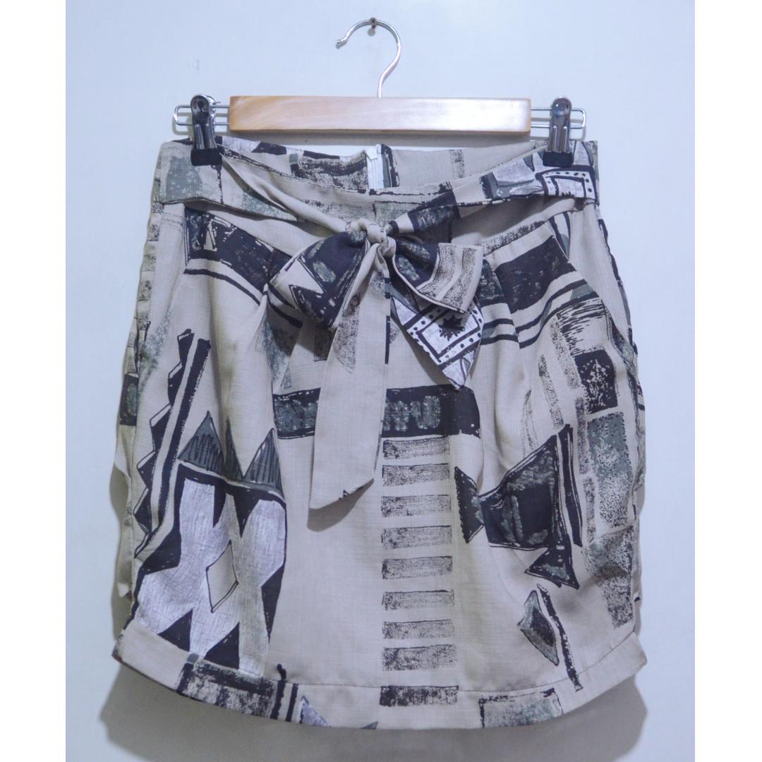 Tie-Back Printed Skirt