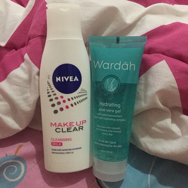 Wardah hydrating aloe vera gel & nivea makeup clear