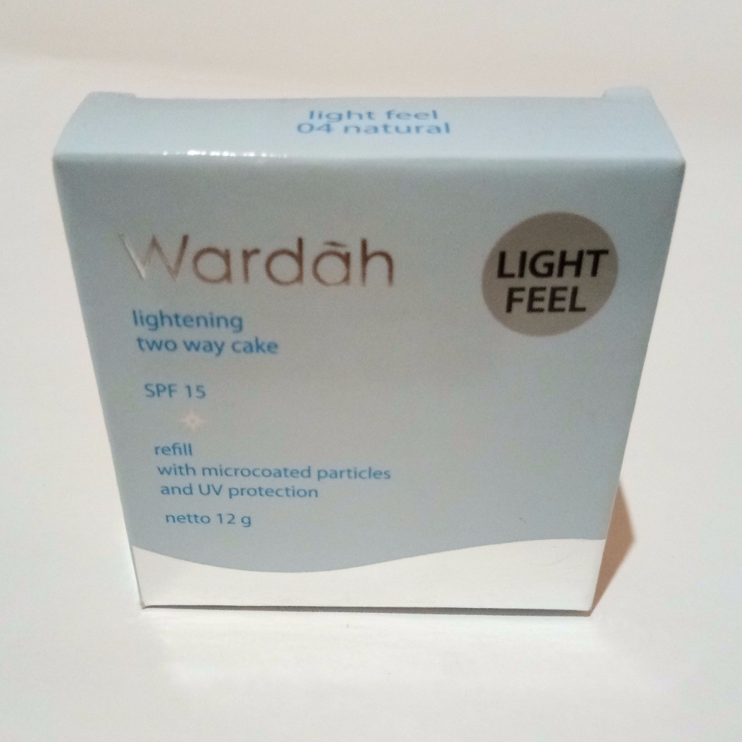 Wardah Lightening Two Way Cake Light Feel Refill Shade Natural Best Price Ever Health Beauty Makeup On Carousell