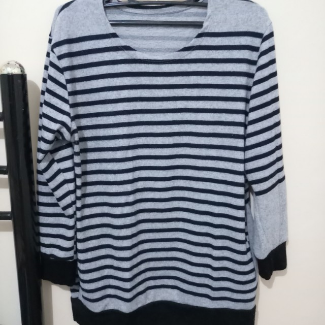 Wool pull-over/sweater