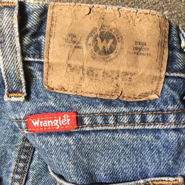 Wrangler Highwaisted Mom jeans ✨