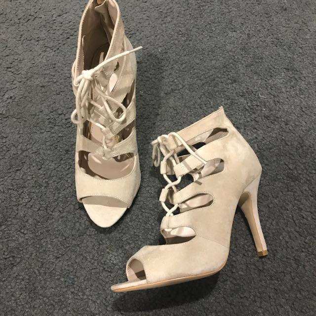 ZU nude heels LEGGY