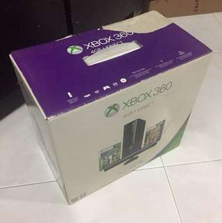 Xbox 360 With Kinect (+2 Free Games)