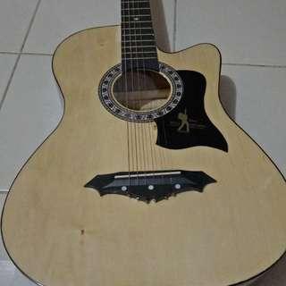 •Davis Acoustic Guitar