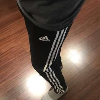 全新正品Adidas三線長褲 M號