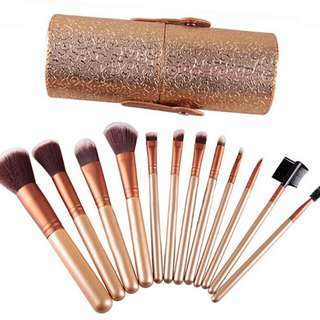 12pcs Make Up Brush set with holder *instock