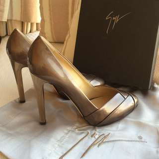 Giuseppe Zanotti   patent leather heel platform pump  ~Made in Italy  @Size 37