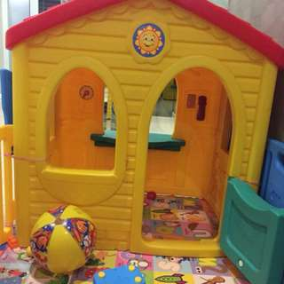 Playhouse (Step 2 little tikes)