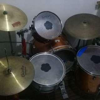 Fernando drum set