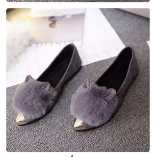 Ready stock pointed toe flat shoe 现货 兔毛尖头平底鞋鞋