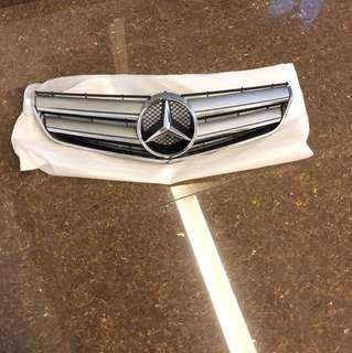 Mercedes Benz E-Class coupe (C207) Front grill