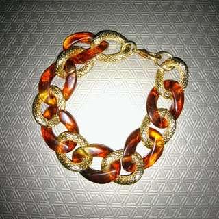 Acrylic chain bracelet