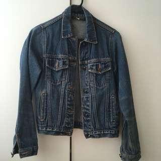 Boyfriend fit denim jacket