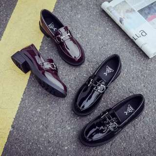 多款必敗✨百搭簡約質感圓頭金屬釦雙環低跟漆皮鞋 平底鞋 樂福鞋 休閒鞋
