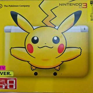 Pikachu Nintendo 3DS XL with Games