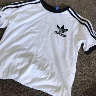 Adidas t shirt size m