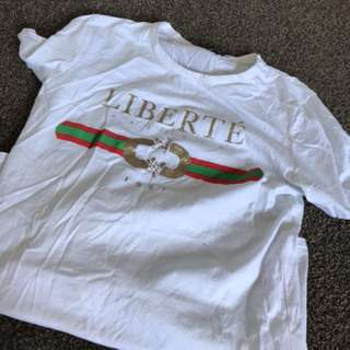 T shirt from the fashion bible size m/L