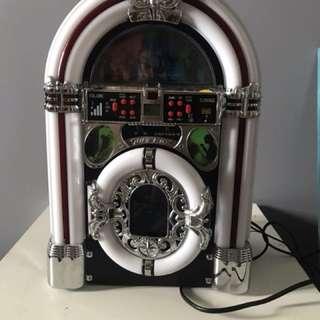 Vintage looking Jukebox Speaker with bluetooth