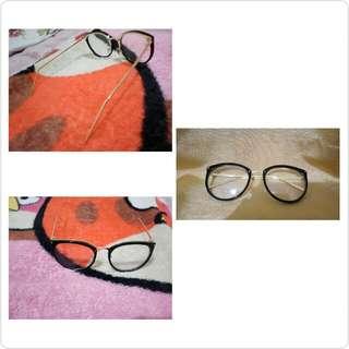 Kacamata Lensa Normal