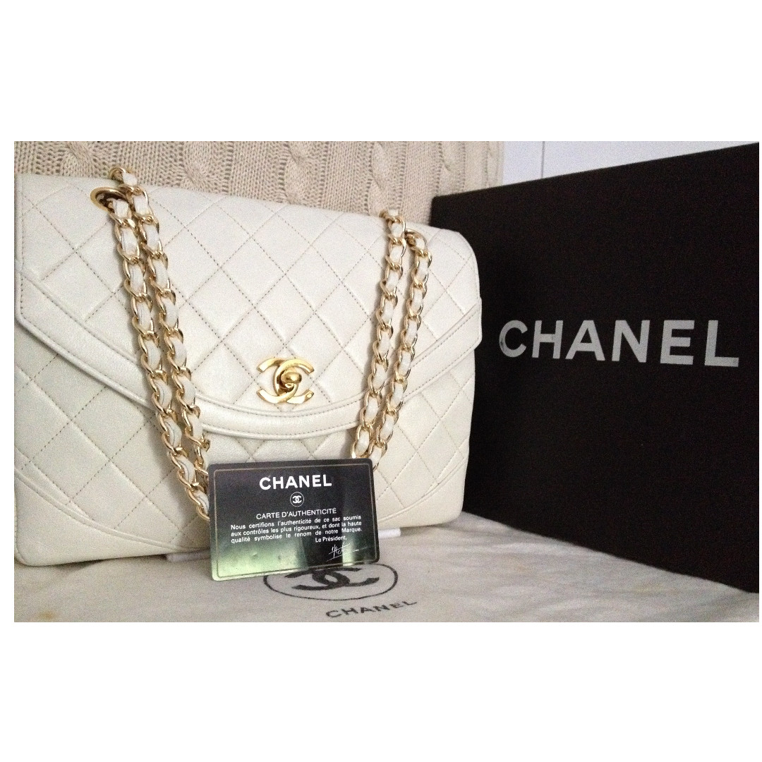 """100% CHANEL Classic Ivory White Quilted Lambskin 2.55 Gold Chain 9.5"""" Flap Bag"""