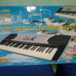 digitaL keyboard piano